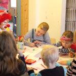 Piirustushetki. Lapsille oli järjestetty monenmoista ohjelmaa.
