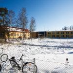 Koulun ja kodin välille kaivataan lisää yhteydenpitoa