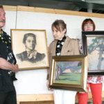 Kunnan taidehankintoja esillä Piippokeskuksessa