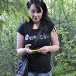 Kätköpaikalle saavuttaessa kätkön löytää yleensä noin kymmenen metrin säteellä olevalta alueelta.