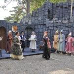 Pahatar saapuu Rämsöössä Prinsessa Ruususen kunniaksi järjestettyihin juhliin kuokkavieraaksi ikävin seurauksin.