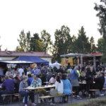 Lauantain hyvä sää täytti Kurki-festivaalin alueen. Alue oli viime vuodesta poiketen sallittu vain täysi-ikäisille. Kuva: Katariina Onnela