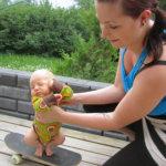 Kesäkuvakisa: Skeittaava vauva ja maalaismaisemia