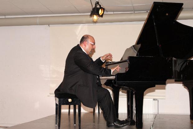 Ympäri maailmaa konsertoiva Marian Petrescu on Pori Jazzin vakituinen esiintyjä. Kuva: Erkki Koivisto
