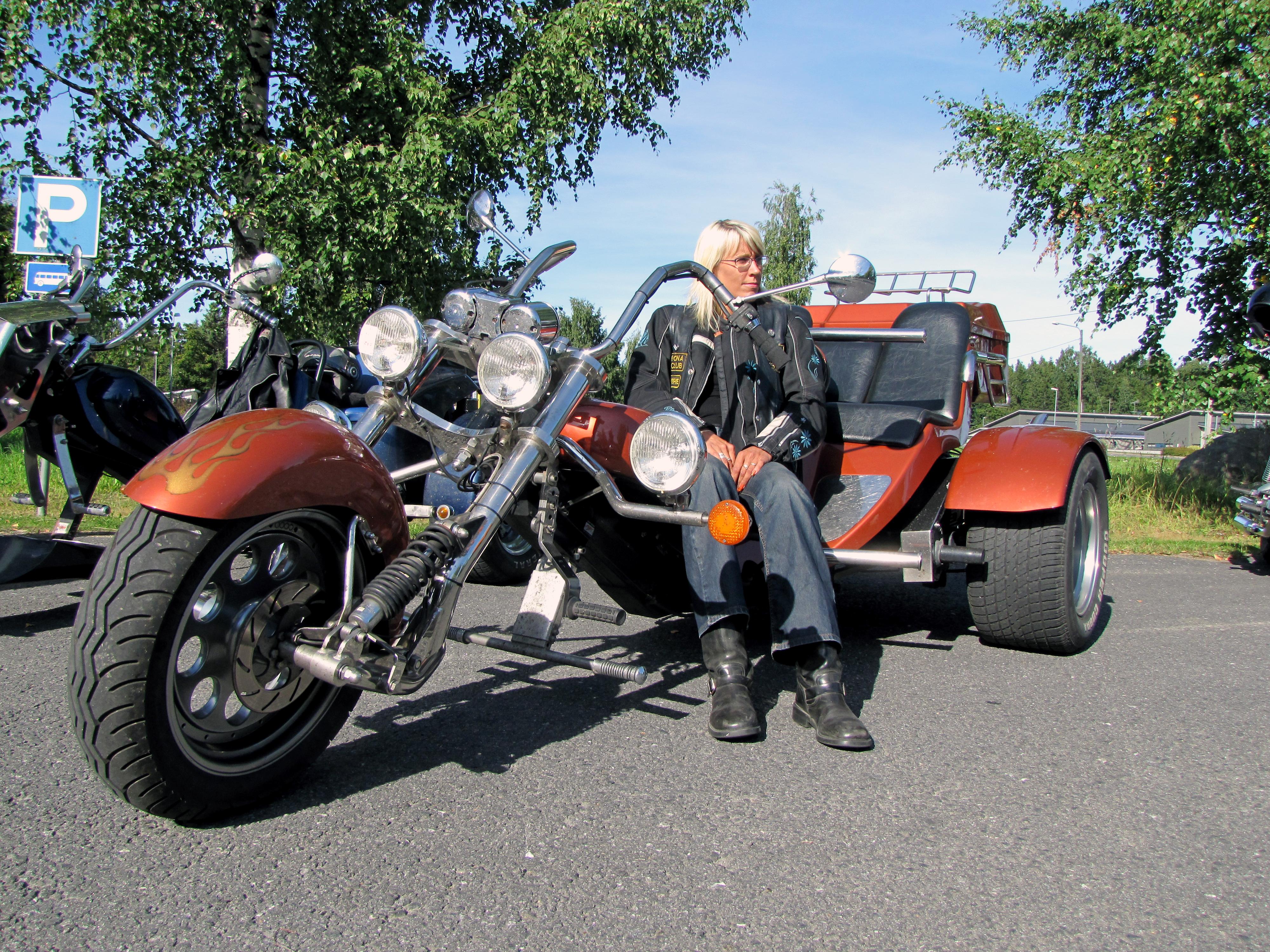 Kolmipyöräinen Moottoripyörä