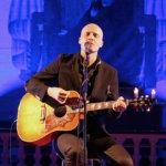 Mies, kitara ja ääni
