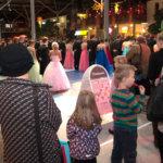 Tosi paljon prinsessoja ja prinssejä.