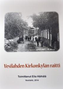 Eila Häihälän toimittaman Vesilahden Kirkonkylän raitti -kirjan kannessa on Vihtori Lindgrenin (Liskamon) kauppa, vasemmalla Kuusela ja taaempana Edvard ja Tilda Ivendorffin kaupparakennus, joka purettiin toisen maailmansodan jälkeen. Kuva on mahdollisesti 1920-luvulta.