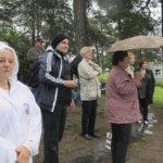 Tapolcalaiset tutustuivat myös Tampereeseen. Pispalanharjulla piti ihailla maisemia sateenvarjojen alta.Kuva: Ritva Mäkelä
