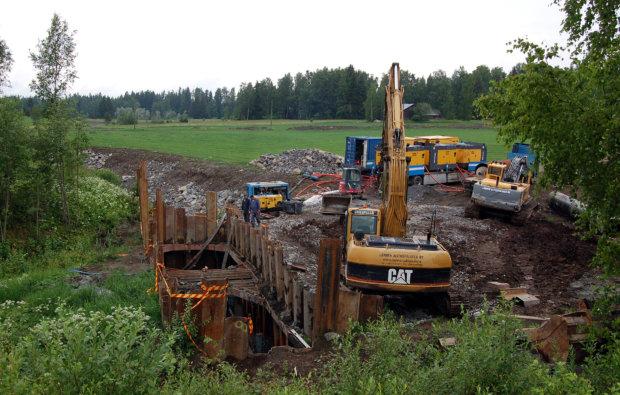 Rikalan kanava avataan, jotta Hulauden järvialueelle saadaan juoksutettua lisävettä.