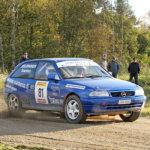 Jussi Saarinen ajoi luokkavoittoon SM-rallissa