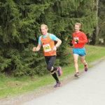 Puolimaratoni n kärkikaksikko oli selvillä jo seitsemän kilometrin  kohdalla: ykkösenä juoksu n voittanut Jukka Salo (743) ja kakkosena LeKi:n Iiro Niskanen (629). Kuva: Tuomas Koivisto