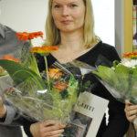 Anu Lahdenpohja inspiroitui kurjen askeleesta ja toi sen muodon uuteen kirjastoon.