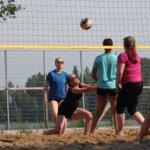 Joukko naisia -niminen joukkue selvisi pyyteettömällä puolustusasenteellaan puolivälieriin Lammasniemiturnauksessa Vesilahdella. Kuva: Emmi Ali-Löytty
