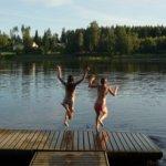 Hyppy kesälle! Kuva: Mirva Kujala