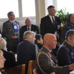 Kunnanjohtaja Erkki Paloniemi kiitti yhdistystä palkittujen puolesta. Kuva: Katariina Onnela