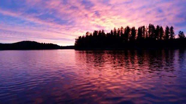 Höytämöjärven maisemat ovat suppaajalle henkeäsalpaavat. Kuva: Kaija-Leena Karppinen