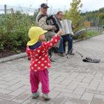 Musiikki vei mukanaan myös aivan nuorimmat. Kuva: Erkki Koivisto