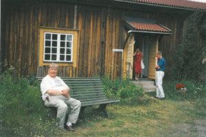 Vesilahden Taideyhdistyksen matkalla Voipaalassa. Vasemmalla istumassa Eino Suutari.