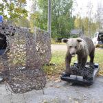 Karhun lisäksi Asko Sorvolla on petotestissä mukana susi ja ilves. Kuva: Katariina Onnela