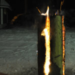 Jätkänkynttilät paloivat komeasti joulutulilla. Kuva: Katariina Onnela