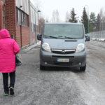 Pysäköintiä vai turvallista ja esteetöntä liikkumista Lempäälässä?