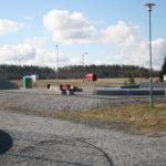 Vesilahdessa pääsee myös isolle tekonurmelle ja skeittiparkkiin. Molemmat ovat Kirkonkylän koulun läheisyydessä.Kuva: Veikko Paasi