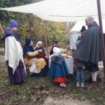 Keskiaikaharrastus yhdistää sukupolvia. Kuva: Piia Kylliäinen