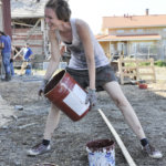 Puolalainen Dorota Michalske oli Kurjen tilalla vapaaehtoistyössä muutama vuosi sitten. Kuva: Katariina Onnela