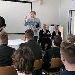Miika Korkatti (oik.) juonsi Jose Ahosen luennoimaan markkinoinnista ja muustakin. Kuva: Ahti Granat