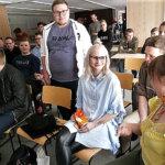 Taikuutta tehdään Suomessa myös naisvoimin. Kuva: Ahti Granat