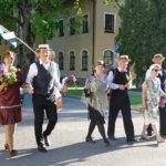 Lempäälän Nuorisoseuran salonkitanssijat Latviassa