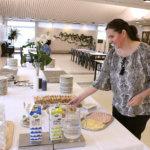 Hävikkiruokailu laajenee – yhteisöllinen ruokahetki jatkossa kahdesti viikossa, mutta poikkeuksiakin aikatauluun jo nyt tiedossa