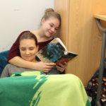 Tyyny, peitto ja mukava asento – Hakkarissa on käynnissä lukuviikko