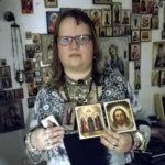 Lempääläisortodoksi rukoilee päivittäin kotialttarin äärellä