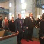 Kesola johtaa puhetta Vesilahden kirkkovaltuustossa