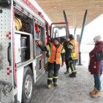 Paloautot kiinnostivat 112-päivänä ulkoalueella. Kuva Erkki Koivisto