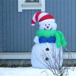 Hyväntuulinen lumiukko