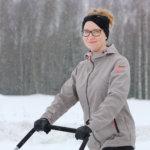 Ota lapioidessa lunta läheltä ja pieni kuorma kerrallaan, niin säästät selkää