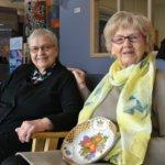 """Ellin ja Liisan ystävyys on kestänyt yli 70 vuotta – """"Ei lapsilla ole ennakkoluuloja"""""""