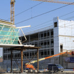 Pysäköintitalon kokonaiskustannus lähes 11 miljoonaa euroa, ensi syksynä alkaa kunnallinen pysäköinninvalvonta – Kunta takasi pysäköintiyhtiön 4,5 miljoonan euron investointilainan