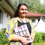 – Mietimme aina asiakkaan kanssa, mitä mahdollisia epäkohtia edellisten ikkunoiden kanssa on ollut, ja mitä niille voidaan tehdä, Tiivin edustaja Sari Hirvonen vakuuttaa.