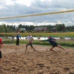 Hääkiven hiekka pölyää tähtipölyä: Beach volley -turnauksessa mukana liigavalmentaja, Mikko Esko ja lempääläisiä tähtiä