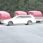 Huomasitko heinäkuun ensimmäinen päivä valkoisen Volkswagen Passatin Kannistontiellä? Poliisi kaipaa vihjeitä peräkärryvarkauksista