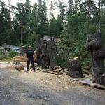 Moottorisahataiteilija Juha Käkelä veisti Tampereen raitiotien alta kaadetusta lehmuksesta Pumpulitehtaan tytön, neljä muuta veistosta valmistuvat lähiviikkojen aikana