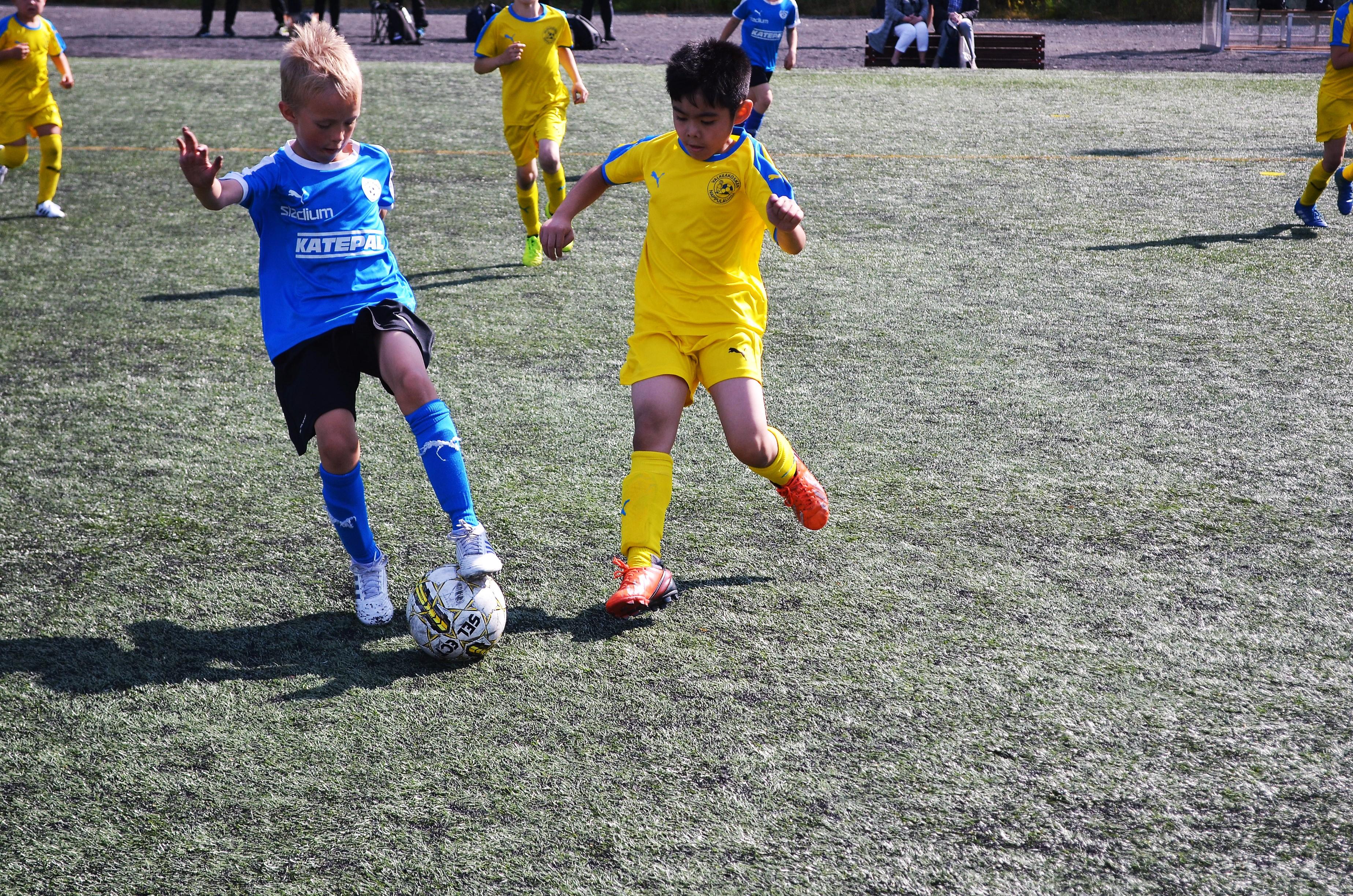 Katepal-turnaus on LeKi-futiksen järjestämä, kuvassa pelaavat LeKi ja Valkeakosken Nappulaliiga. Kuva: Antti Raunio