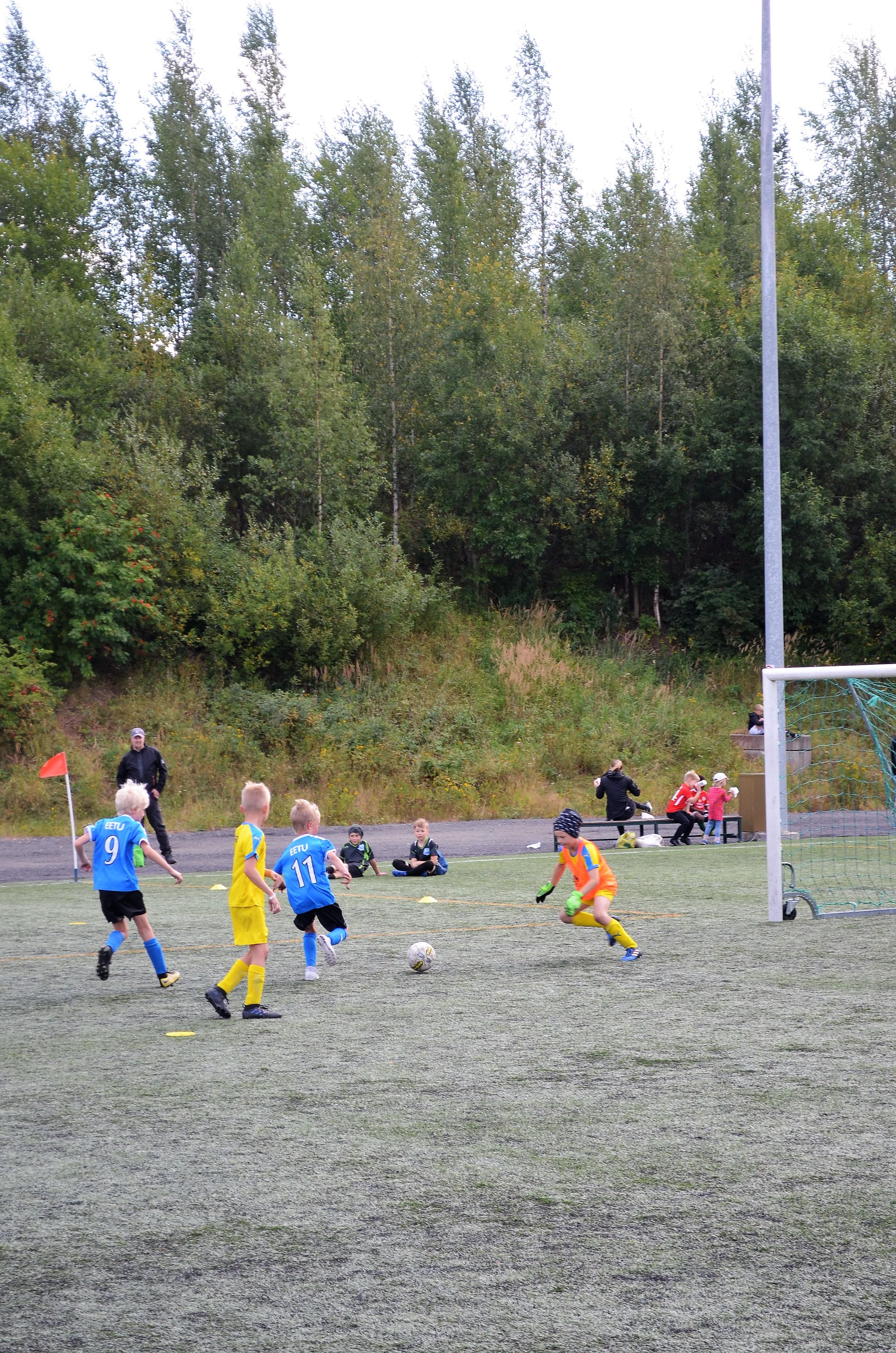 LeKi-futiksen joukkue maalipaikassa. Kuva: Antti Raunio