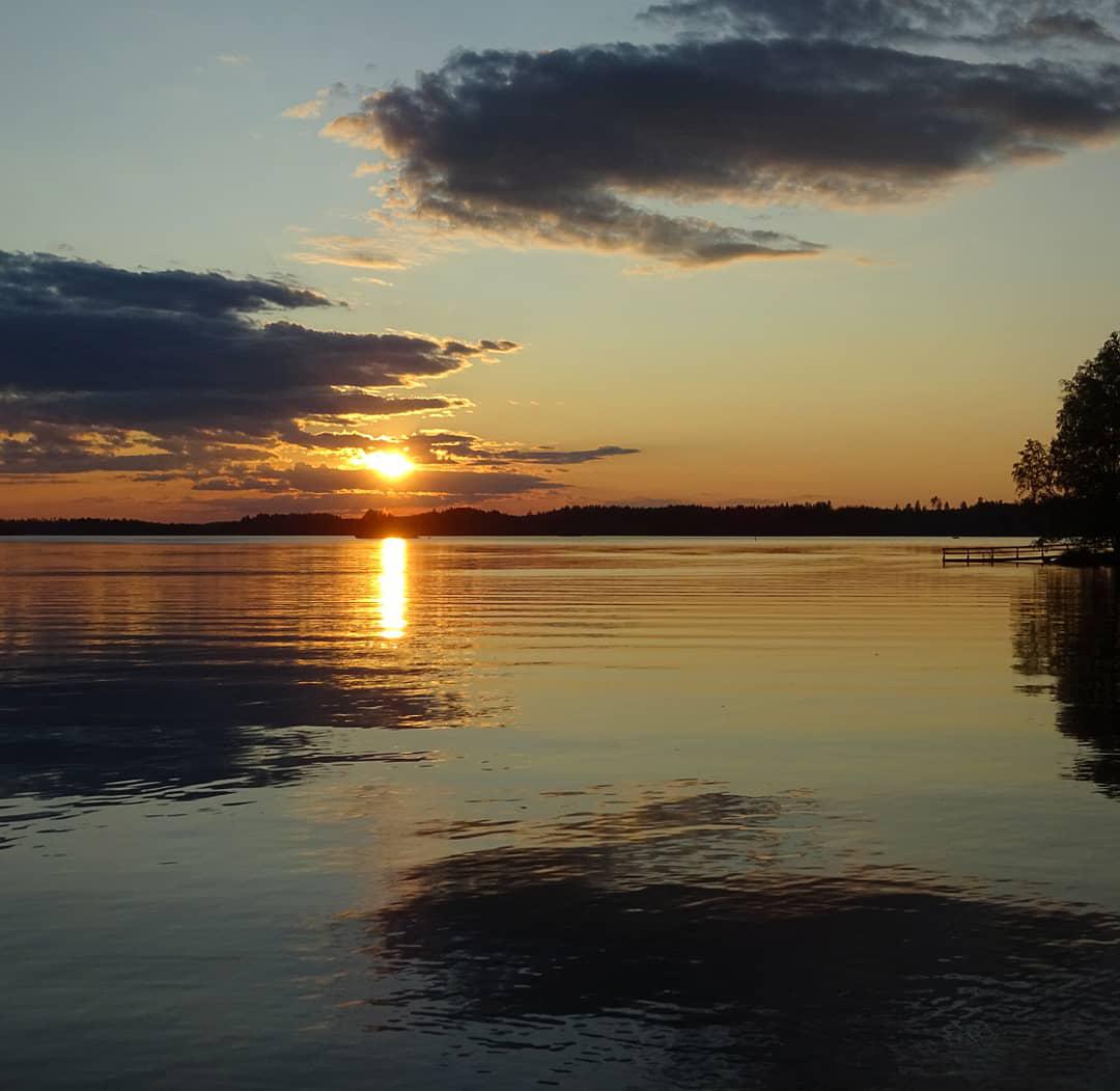 Auringonlasku Vesilahden tapaan. Kuva: Anu Patojoki-Tuominen