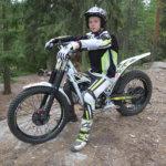 Trialia ajavalla Vilkku Selinillä, 14, tavoitteena Eliitin SM-kulta – Nyt lahjakas nuori kuljettaja keskittyy tulevaan EM-osakilpailuun Tsekissä