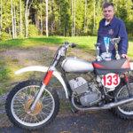 Motocrossin seniorimestaruus Lempäälään – Vastassa entisiä tehdaskuskeja ja Classic-luokan Euroopan mestari. Lisäksi mestaruus tuli itse rakennetulla pyörällä.